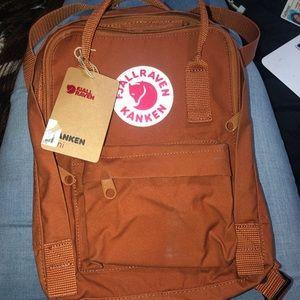 Fjall raven mini backpack